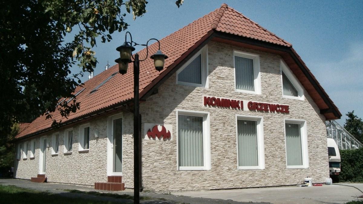 Kominki Warszawa - na zewnątrz